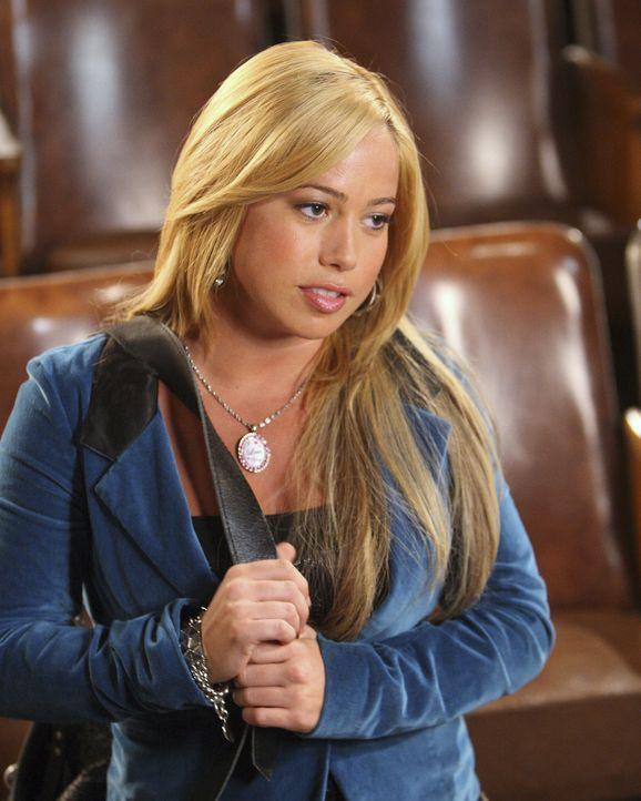 Dorinda (Sabrina Bryan, r.) ist traurig: Ihr spanischer Freund Joaquin hat sich von ihr getrennt - der Zeitunterschied zwischen Amerika und Spanien... - Bildquelle: Disney - ABC - ESPN Television