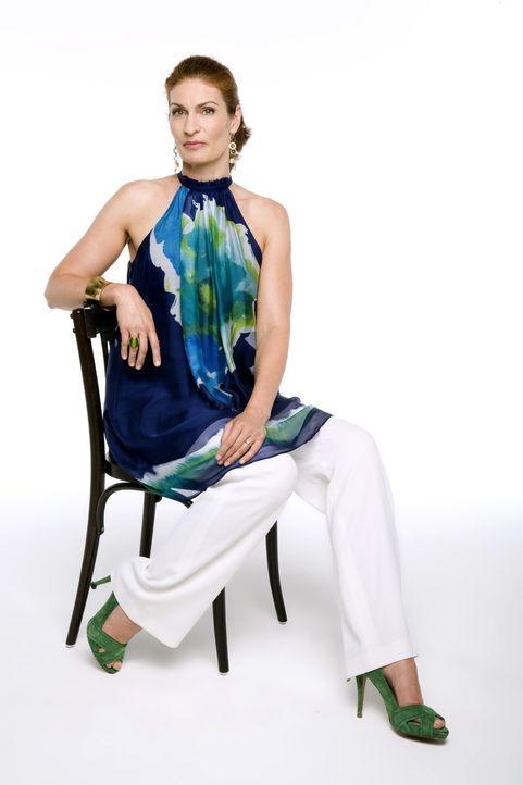 Natascha Broda (Franziska Matthus) ist eine bildschöne und charmante Frau - und für die Arbeit als Geschäftsführerin wie geschaffen. - Bildquelle: Bernd Jaworek SAT.1