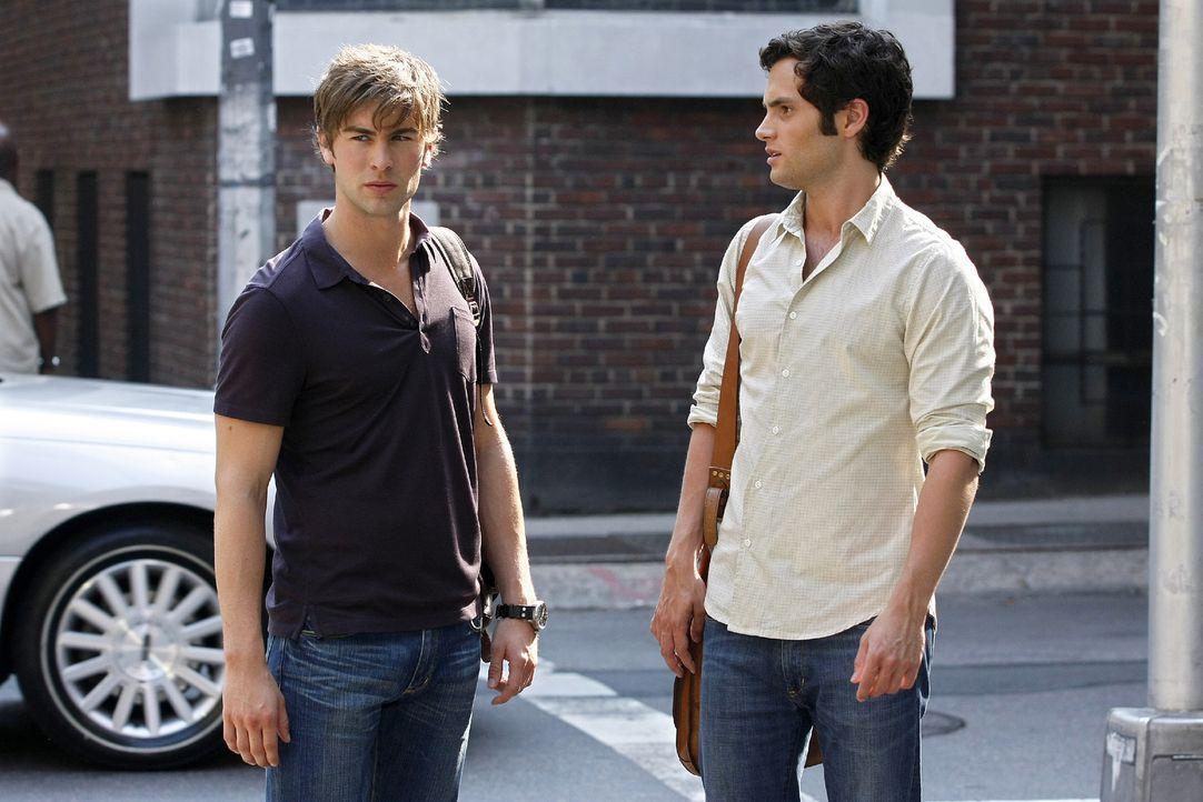 Nate (Chace Crawford, l.) kann es nicht glauben, dass Dan (Penn Badgley, r.) die Schauspielerin Olivia nicht kennt. - Bildquelle: Warner Brothers