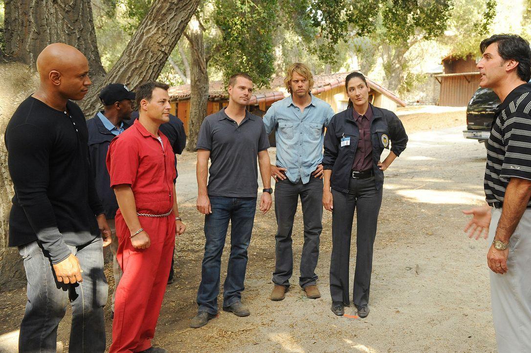 Amanda, Tochter von Commander Rehme, wird entführt, und Sam (LL Cool J, l.), Callen (Chris O'Donnell, M.) und Deeks (Eric Christian Olsen, 3.v.r.) w... - Bildquelle: CBS Studios Inc. All Rights Reserved.