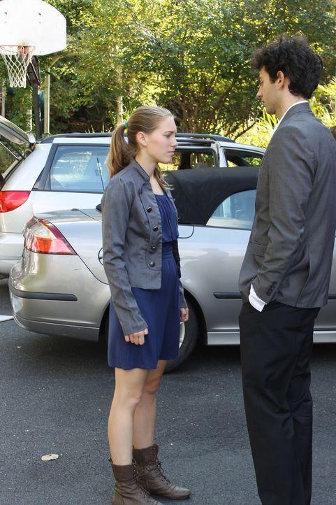 Mit 15 Jahren trifft Susan (l.) den charmanten 25-jährigen David (r.) und verliebt sich sofort in ihn. Doch in der Ehe zeigt er schließlich sein wah... - Bildquelle: Atlas Media Corp.