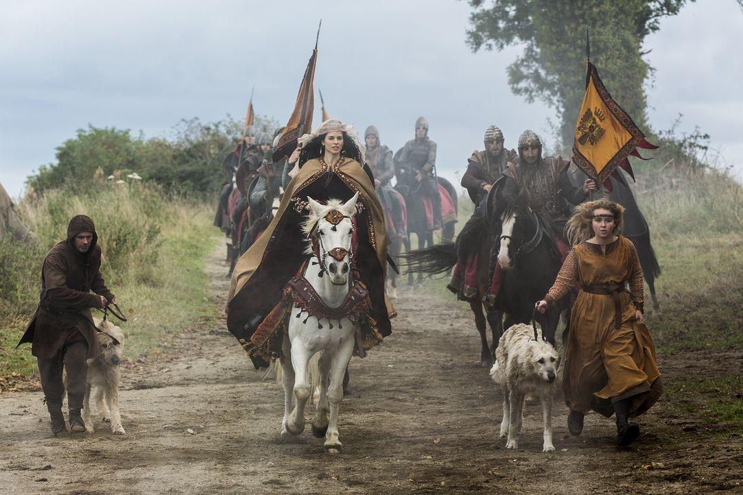 Wird sie eine Allianz mit König Ecbert eingehen? Prinzessin Kwenthrith (Amy Bailey, M.) ... - Bildquelle: 2014 TM TELEVISION PRODUCTIONS LIMITED/T5 VIKINGS PRODUCTIONS INC. ALL RIGHTS RESERVED.