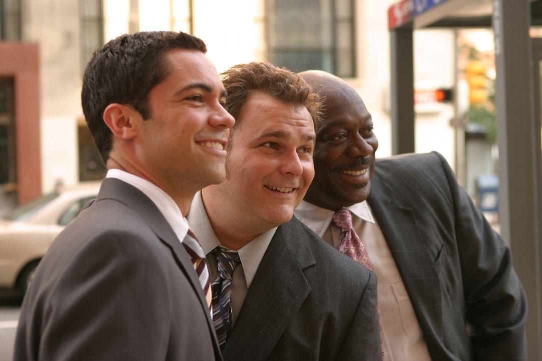 Die smarten Jungs vom Mord-Dezernat: Scott (Danny Pino, l.), Nick (Jeremy Ratchford, M.) und Will (Thom Barry, r.) - Bildquelle: Warner Bros. Television
