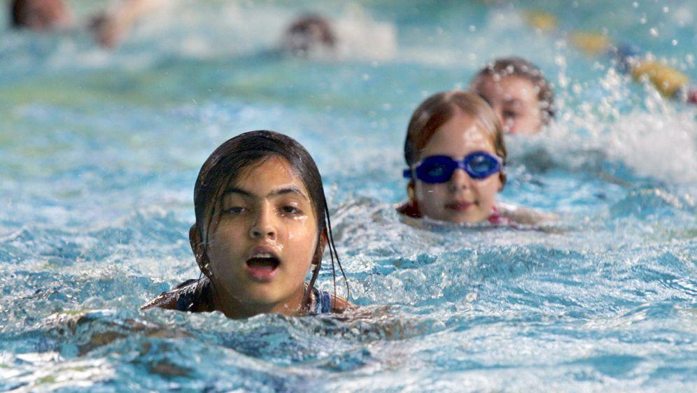 Schwimmen lernen: So früh wie möglich