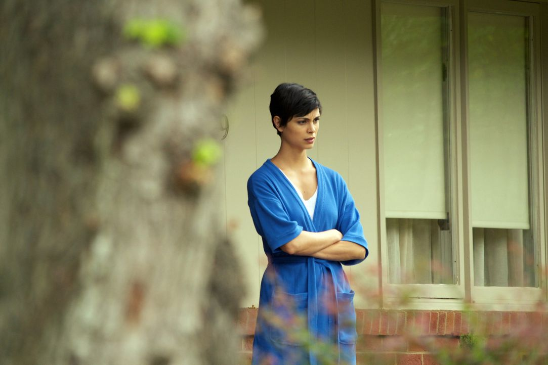 Ihr Ehemann entgleitet ihr: Jessica (Morena Baccarin) ... - Bildquelle: 20th Century Fox International Television