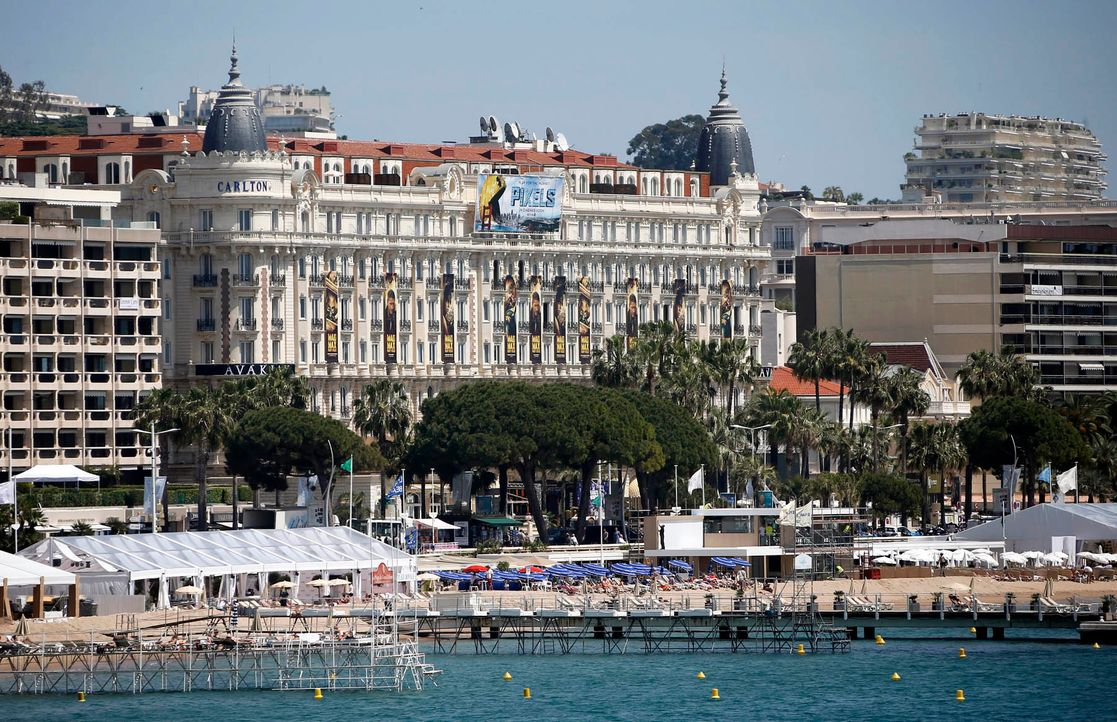 Cannes-Film-Festival-Carlton-Hotel-15-05-11-dpa - Bildquelle: dpa