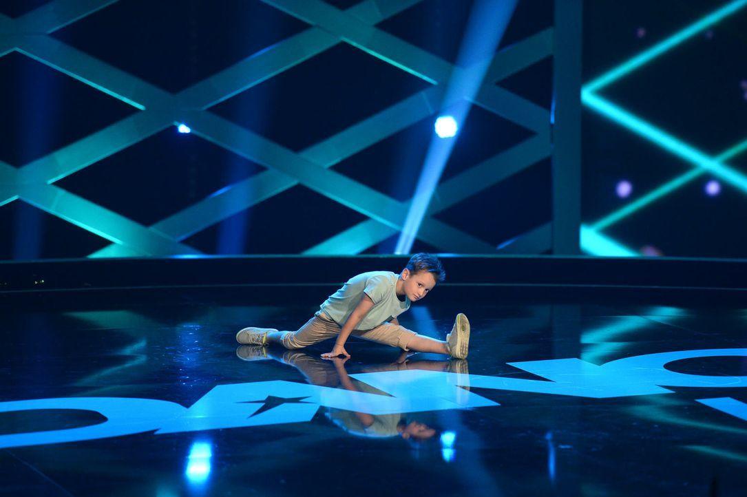 Kann es Liam (Prinz P) mit seiner Darbietung ins Finale schaffen? - Bildquelle: Willi Weber SAT.1