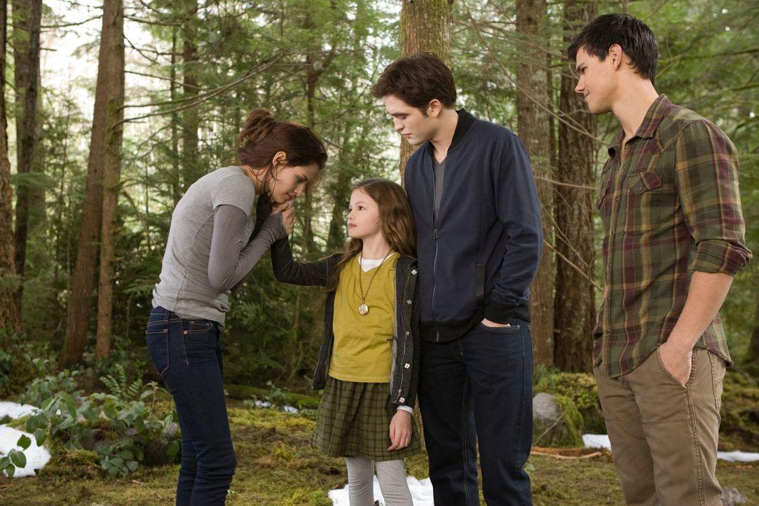 Bella, Renesmee, Edward und Jacob - eine glückliche Familie? - Bildquelle: 2012 Summit Entertainment, LLC. All rights reserved.