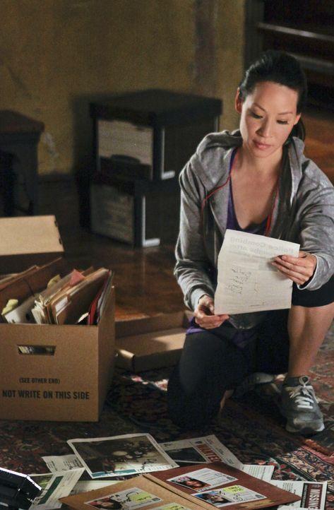 Steht Sherlock bei den Ermittlungen in einem Fall von Kindesentführung bei: Watson (Lucy Liu) ... - Bildquelle: CBS Television