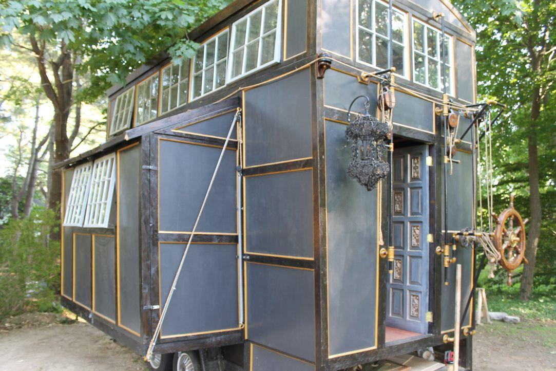Chloe und Brandon wünschen sich ein Zuhause, das räumlich flexibel ist. Die kreativen Köpfe gestalten ein einzigartiges winziges Haus, das von Pirat... - Bildquelle: 2014, HGTV/Scripps Networks, LLC. All Rights Reserved