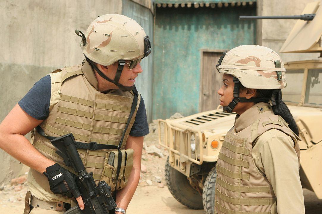 Captain Rankin, ein im Irak stationierter Marine, kommt  während eines Mörserangriffs ums Leben. Doch es stellt  sich heraus, dass er erschossen w... - Bildquelle: CBS Television