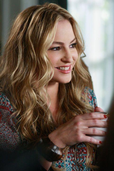 Hütet ein dunkles Geheimnis: die neue Nachbarin Angie Bolen (Drea de Matteo) ... - Bildquelle: ABC Studios