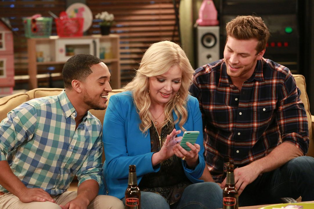 (v.l.n.r.) Tucker (Tahj Mowry); Bonnie (Melissa Peterman); Danny (Derek Theler) - Bildquelle: Ron Tom ABC Family
