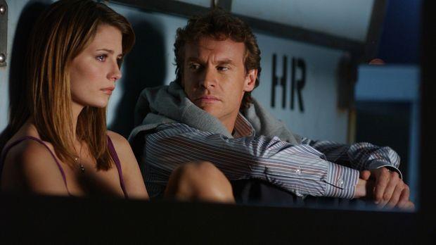 Marissa (Mischa Barton, l.) ist traurig darüber, dass ihr Vater Jimmy (Tate D...