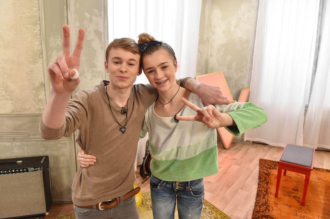 The-Voice-Kids-Stf03-Epi05-21-Tamino-Julie-SAT1-Andre-Kowalski - Bildquelle: SAT.1/ Andre Kowalski