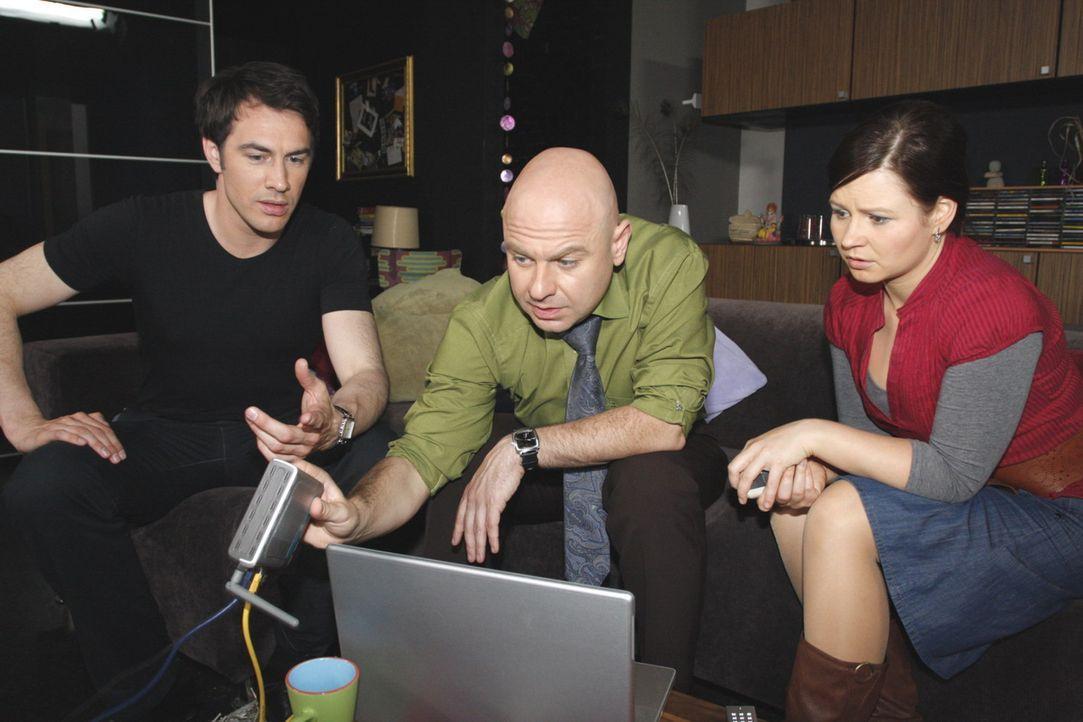 Sind ohne Strom gefangen: (v.l.n.r.)  Mark (Arne Stephan), Oliver (Prodromos Antoniadis) und Eva (Anett Heilfort)  ... - Bildquelle: SAT.1