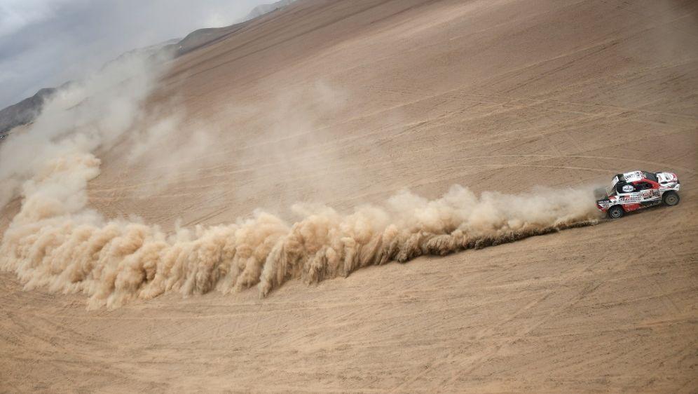 Al-Attiyah bestimmt das Geschehen bei der Dakar - Bildquelle: AFPSIDFranck FIFE