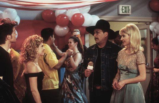 Sabrina ... total verhext! - Während Harvey (Nate Richert, l.), Sabrina (Meli...