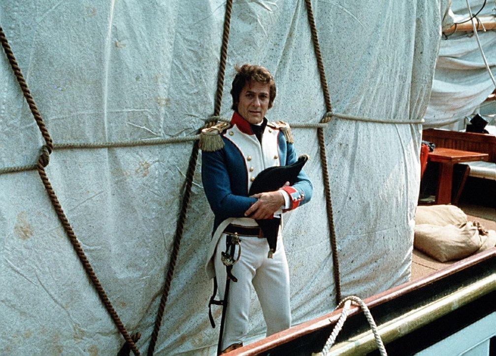 Während Dantes in der Kerkerhaft leidet, macht Mondego (Tony Curtis) Karriere beim Militär gemacht und wird für seine Verdienste zum Grafen von M... - Bildquelle: National Broadcasting Company (NBC)