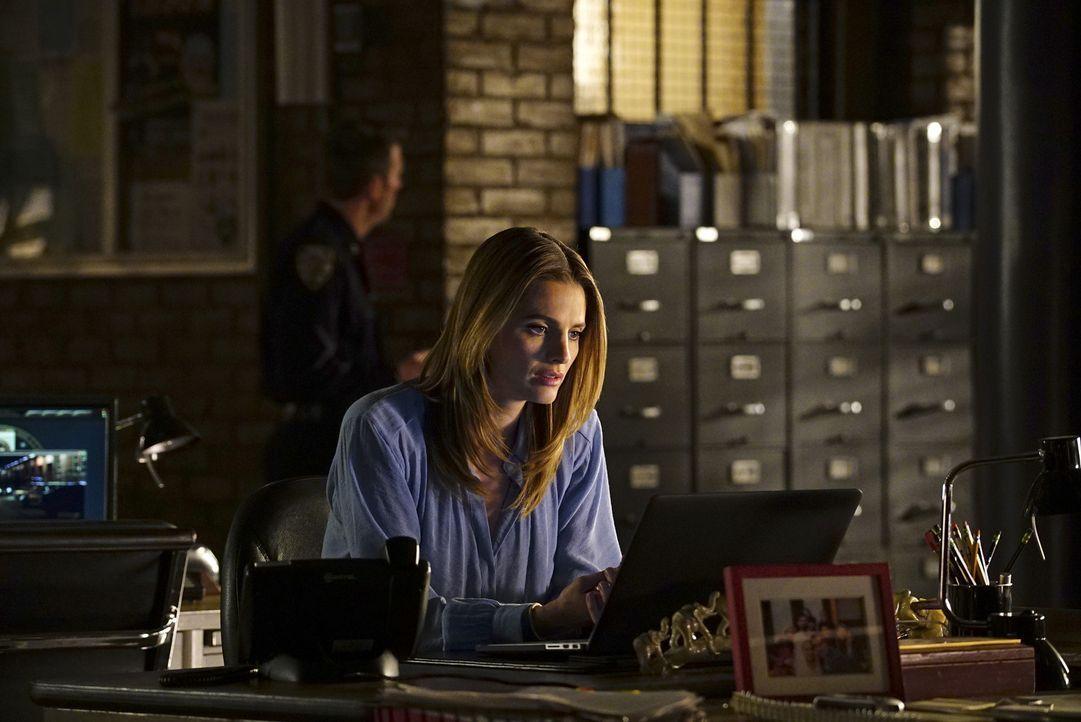 Völlig gestresst versucht Kate (Stana Katic) etwas aus einem Millionär herauszubekommen, der etwas mit dem toten Airmarshall im Flugzeug zu tun hat... - Bildquelle: Richard Cartwright ABC Studios