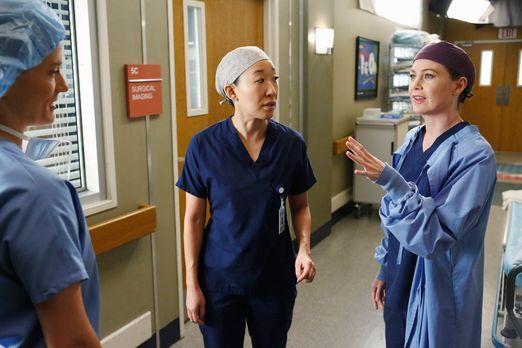 Grey's Anatomy - Cristina (Sandra Oh, M.) hat den Harper Avery Award nicht ge...