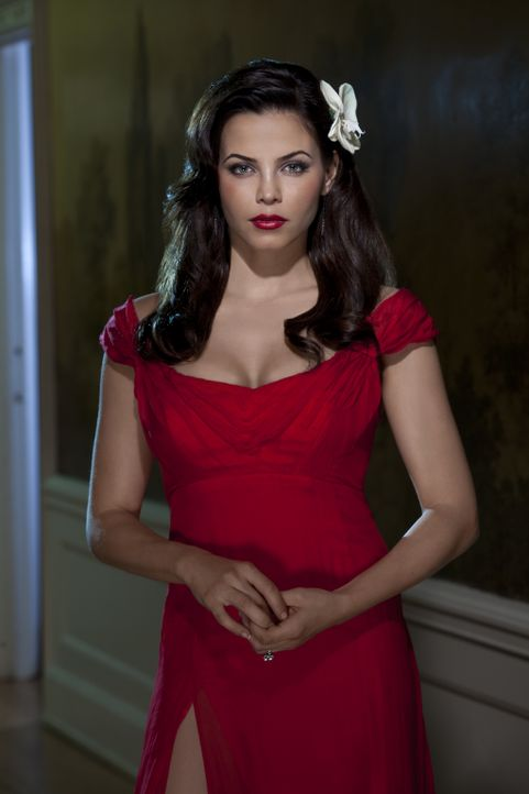 (1. Staffel) - Das Leben von Freya (Jenna Dewan-Tatum) ändert sich grundlegend, als sie von ihrer Mutter erfährt, dass sie eine unsterbliche Hexe is... - Bildquelle: 2013 Lifetime Entertainment Services, LLC. All rights reserved.