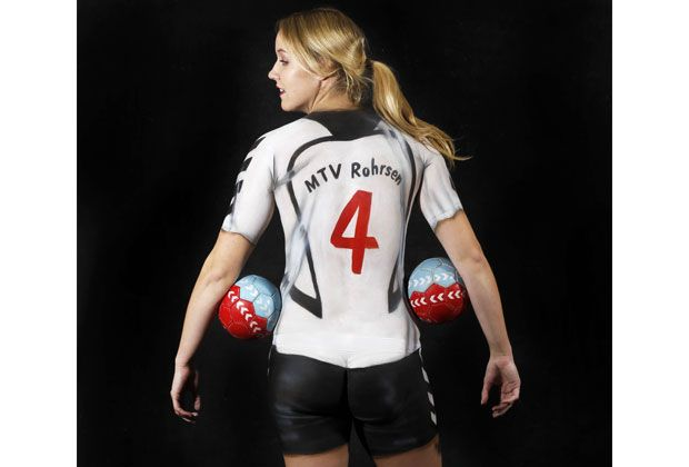 Nackte Handballerinnen