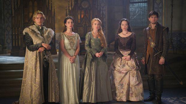 Francis (Toby Regbo, l.), Mary Stuart (Adelaide Kane, 2.v.l.), Lady Greer (Ce...
