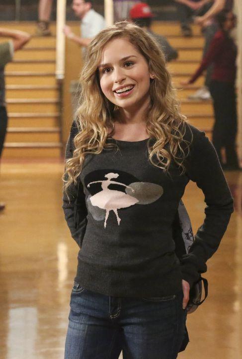 Lisa (Allie Grant) will Malik einen Heiratsantrag machen. Tessa ist nicht sicher, was sie von der Idee ihrer Freundin halten soll. Nach einem Gesprä... - Bildquelle: Warner Brothers