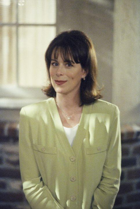 Lois (Jane Kaczmarek) ist ausnahmsweise einmal glücklich und zufrieden ... - Bildquelle: TM +   2000 Twentieth Century Fox Film Corporation. All Rights Reserved.