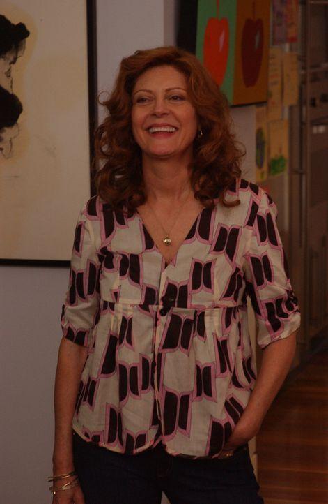 Alicia (Susan Sarandon) kommt mit Keela aus Europa zurück. Nun muss ihr Franco gestehen, dass er sich inzwischen verlobt hat ... - Bildquelle: 2007 Sony Pictures Television Inc. All Rights Reserved