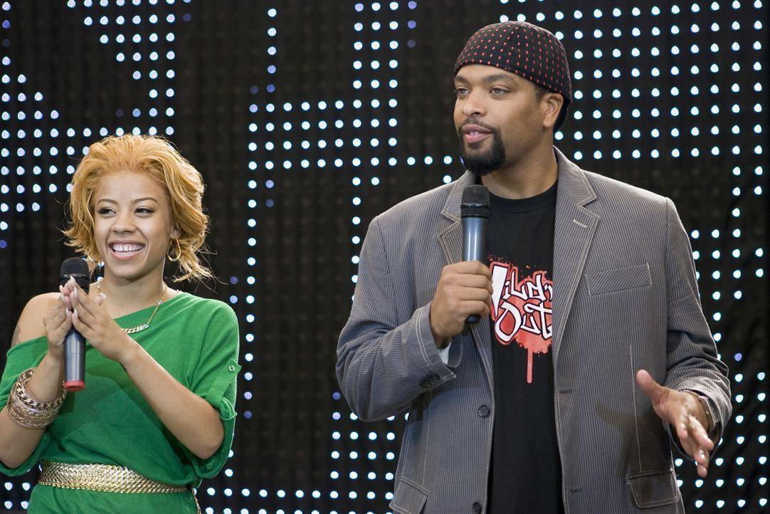 """Keyshia Cole (l.) und DeRay Davis (r.) sind die Moderatoren des Detroiter """"Step Monster""""-Wettbewerb. - Bildquelle: Paramount Pictures"""
