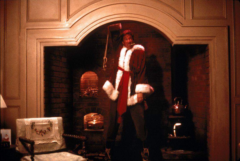 Um das Weihnachtsfest zu retten, erklärt sich Werbefachmann Scott Calvin (Tim Allen) bereit, den Part des Weihnachtsmannes zu übernehmen. Doch das... - Bildquelle: Buena Vista Pictures