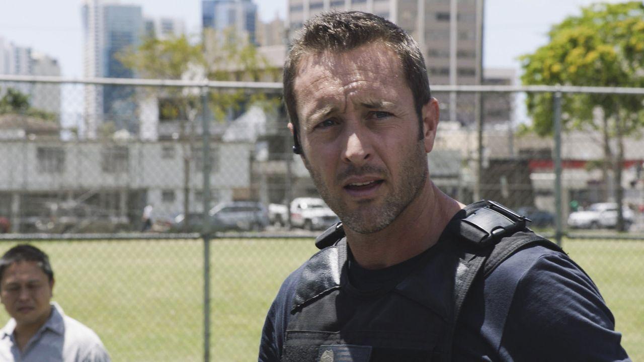 Während Steve (Alex O'Loughlin) einen Hinweis bekommt, dass jemand in Oahu einen Terrorangriff plant, steht Chin vor einer schweren Entscheidung ... - Bildquelle: 2017 CBS Broadcasting, Inc. All Rights Reserved