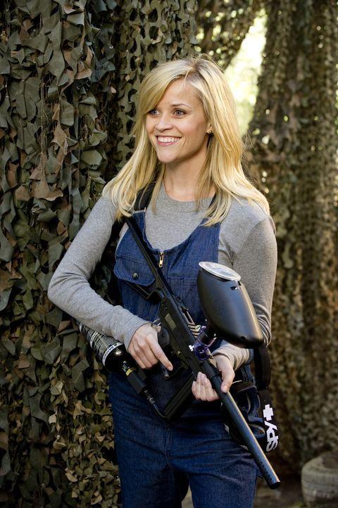 FDR und Tuck unternehmen alles, um Lauren (Reese Witherspoon) zu beeindrucken und für sich zu gewinnen. Auch ein gelungener Auftritt in einem Paintb... - Bildquelle: Kimberley French TM and   2012 Twentieth Century Fox Film Corporation. All rights reserved. Not for sale or duplication.