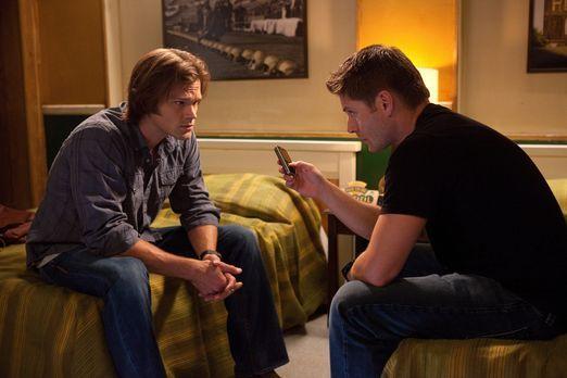 Supernatural - Für Dean (Jensen Ackles, r.) und Sam (Jared Padalecki, l.) ist...