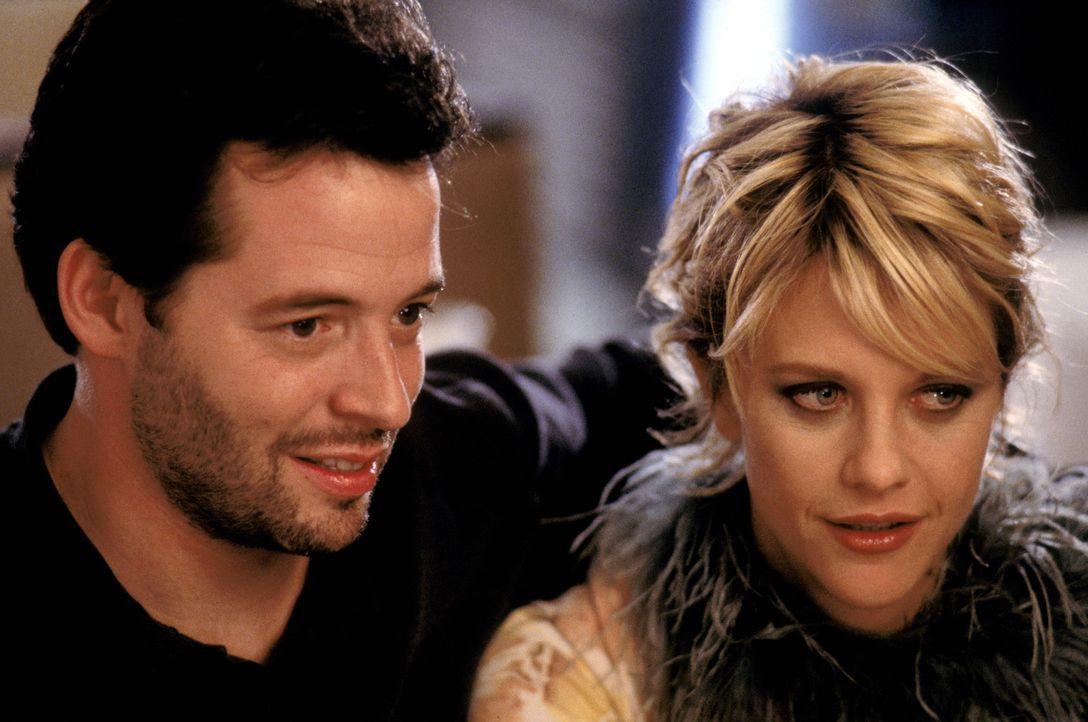 Maggie (Meg Ryan, r.) kann gar nicht glauben, dass Anton sie für das Landei Linda verlassen hat. Sam (Matthew Broderick, l.) hingegen kann nicht fa... - Bildquelle: Warner Brothers International