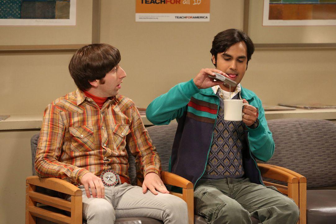 Werden von Sheldon in Schwierigkeiten gebracht: Raj (Kunal Nayyar, r.) und Howard (Simon Helberg, l.) ... - Bildquelle: Warner Bros. Television