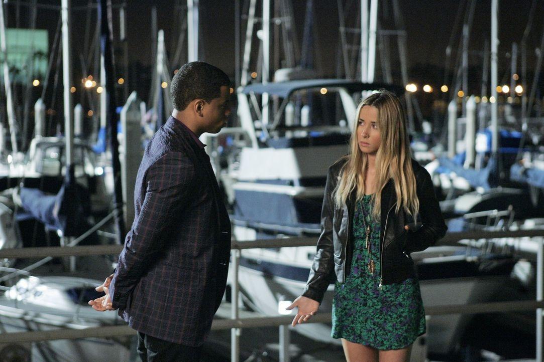 Wie wird Dixon (Tristan Wilds, l.) das Geständnis von Ivy (Gillian Zinser, r.) auffassen? - Bildquelle: 2010 The CW Network. All Rights Reserved.