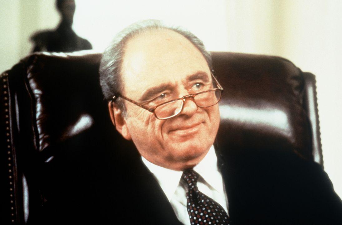James Cutter (Harris Yulin), der Sicherheitsbeauftragte des Präsidenten, befiehlt ein Sonderkommando für besonders blutige Aufträge ... - Bildquelle: Paramount Pictures