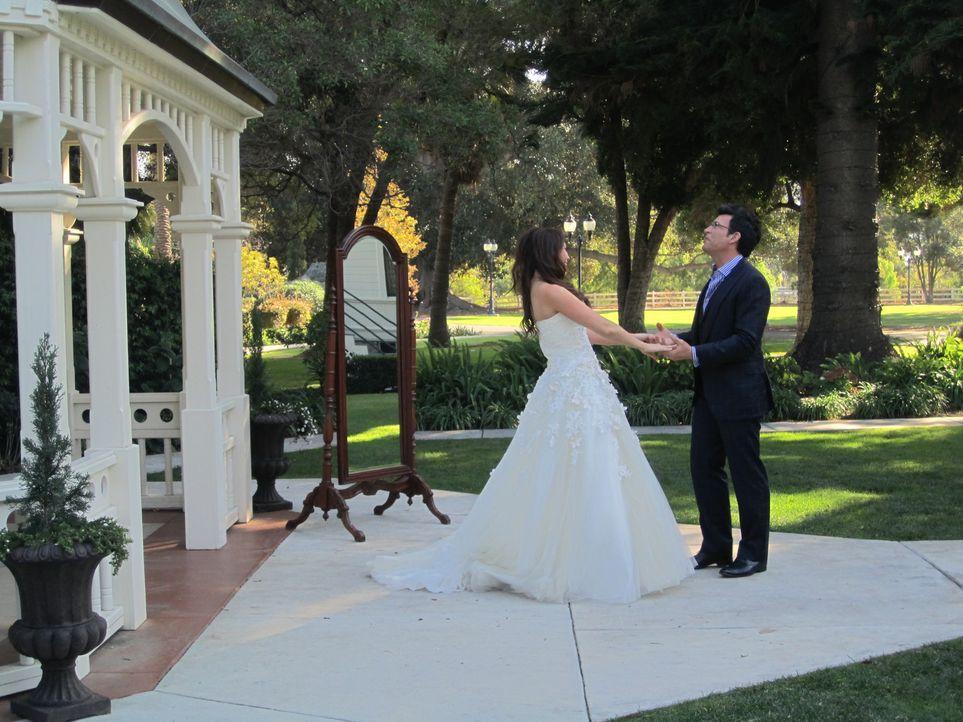 (4. Staffel) - David Tutera (r.), der Wedding-Planner der Stars, organisiert die Hochzeiten verzweifelter Hochzeitspaare. Aber macht er mit seinen E... - Bildquelle: 2012 PilgrimStudios