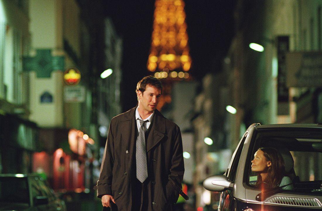 Carter (Noah Wyle, l.) hofft auf eine zweite Chance von Kem (Thandie Newton, r.). Wird er sie bekommen? - Bildquelle: WARNER BROS