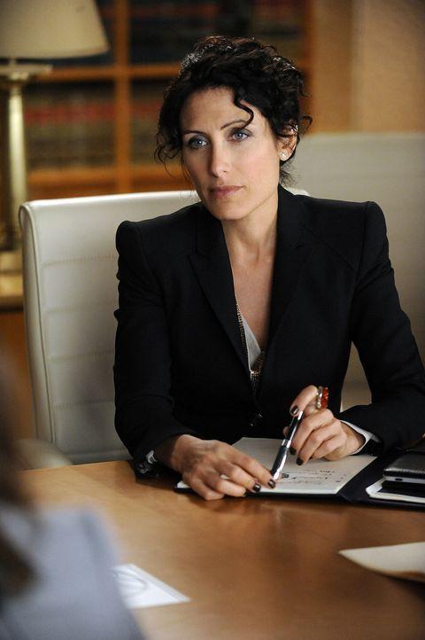 Celeste Serrano (Lisa Edelstein), die ein Verhältnis mit Will hatte, übernimmt die Verteidigung von Dr. Farland ... - Bildquelle: 2011 CBS Broadcasting Inc. All Rights Reserved.