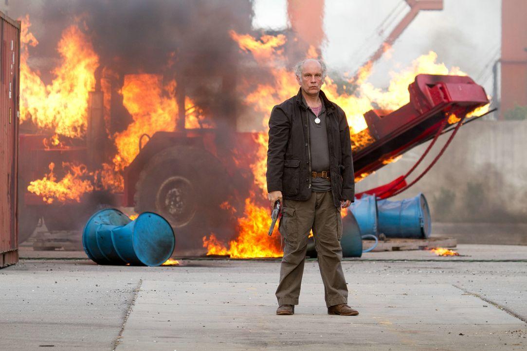 """Niemand nennt Marvin (John Malkovich) ungestraft einen """"alten Mann"""" ... - Bildquelle: 2010 Concorde Filmverleih GmbH"""