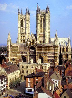 Nie zuvor wurde so hoch gebaut: Über 200 Jahre, von 1311 bis 1549, war die Kathedrale von Lincoln das höchste Gebäude der Welt.  - Bildquelle: Visit Britain dpa gms