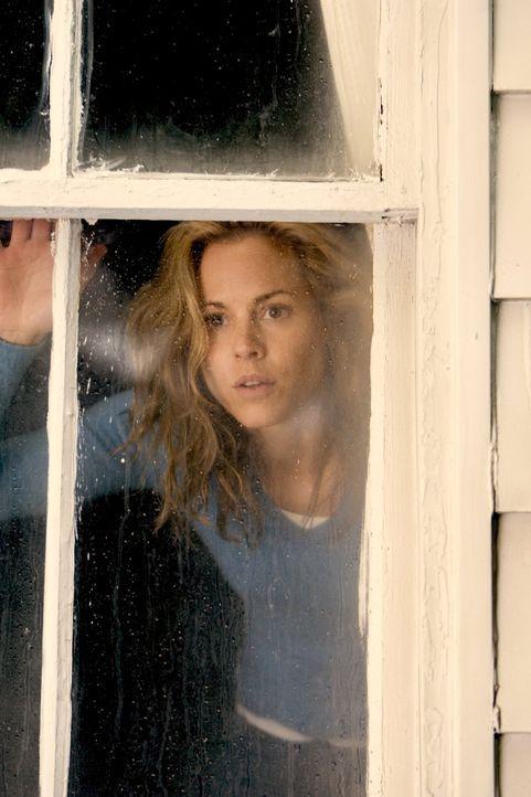 Kann Edie (Maria Bello) jemals wieder ihrem Angetrauten vertrauen, nachdem sich dieser als ein Ex-Gangster entpuppt? - Bildquelle: 2005 Warner Bros.