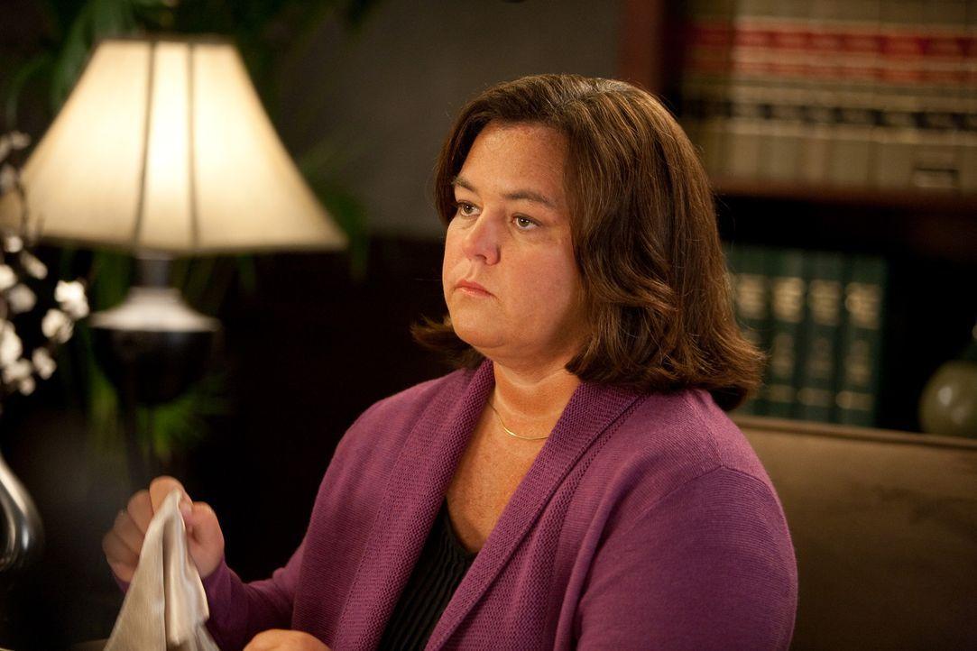 Verklagt eine Partnervermittlung, deren Dienste sie vergeblich in Anspruch genommen hat: Richterin Madeline Stone (Rosie O'Donnell) ... - Bildquelle: 2009 Sony Pictures Television Inc. All Rights Reserved.