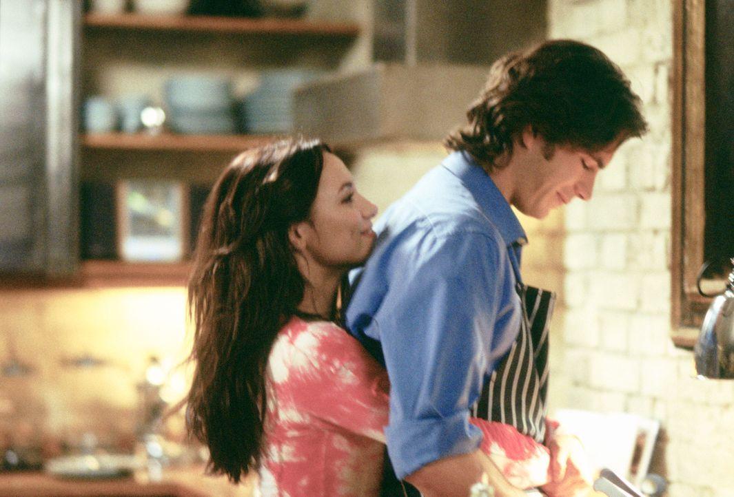 Nach einer unglücklichen Beziehung lernt die Flamenco-Tänzerin Carmen (Natalia Verbeke, l.) den gut situierten Barnaby (James D'Arcy, r.) kennen, de...