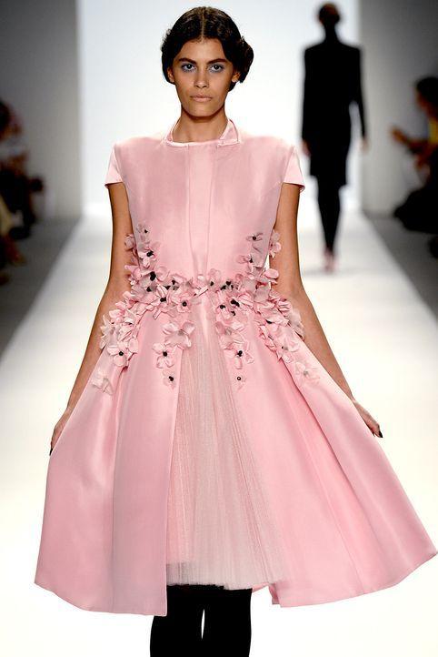 Fashionweek-Alisar-Zang-Toi-2-13-09-10-AFP - Bildquelle: AFP
