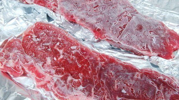 Gefrorenes Fleisch zum Grillen